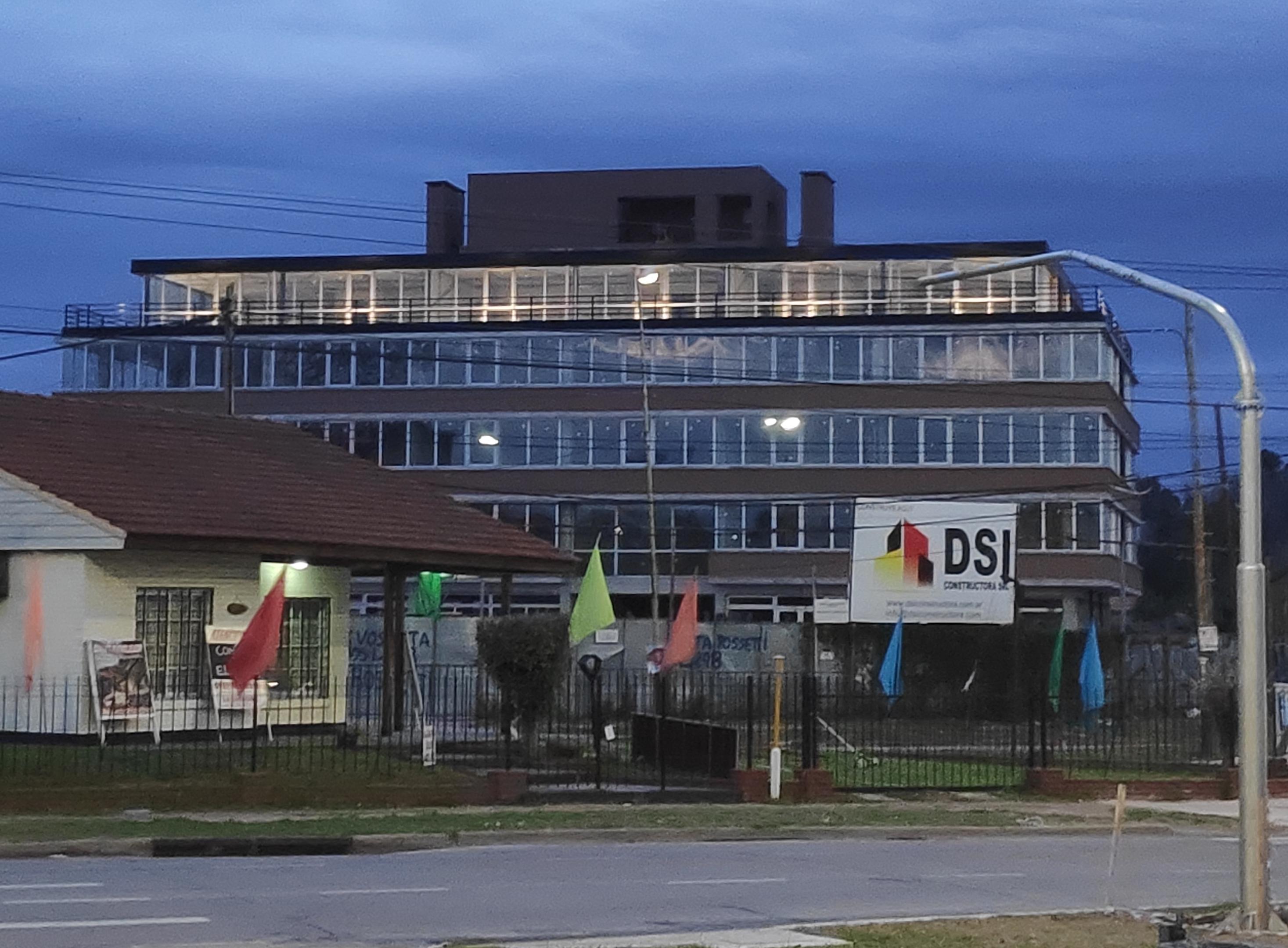 Edificio de Oficinas Polo Este